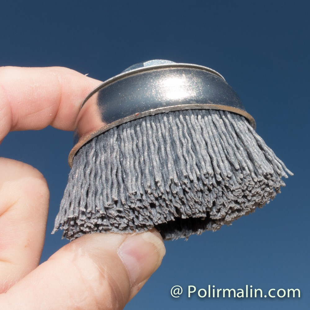 Brosse cloche fil ABRASIF www.polirmalin.com spécialiste du polissage, de l'ébavurage et du brossage