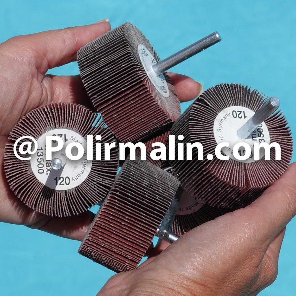 Roue a lamelles avec filet 15x15mm www.polirmalin.com spécialiste du polissage, de l'ébavurage et du brossage
